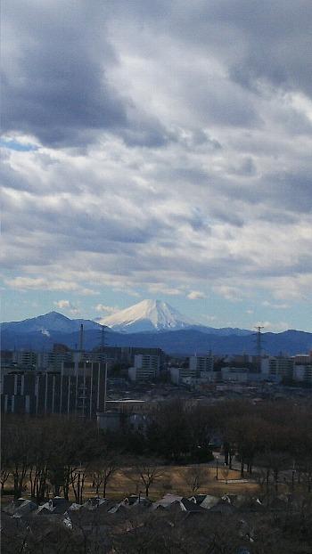 雲の下の富士
