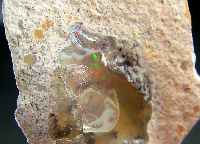No.912 Opal
