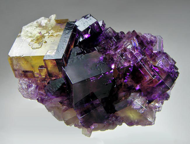 no.897 Fluorite