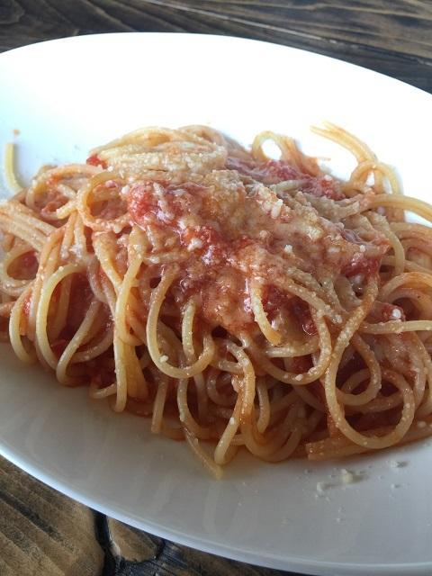 ベッダ シチリア カリフラワーとモッツァレラトマトソース