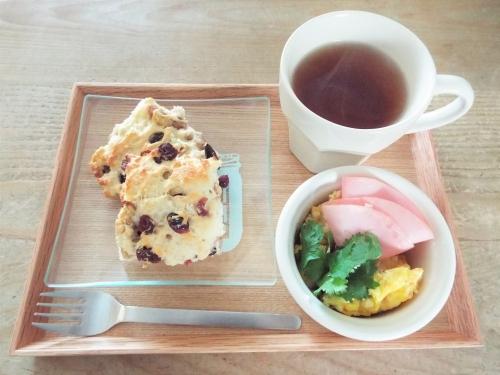 朝食(ホッとビスケット)