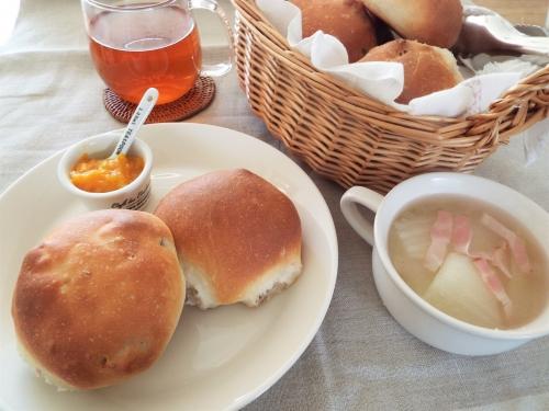 手づくりパン(くるみチーズ)