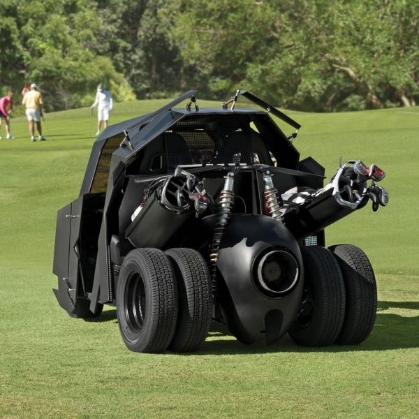 batmobile-tumbler-golf-cart-2.jpg
