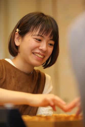 【美少女棋士】山根ことみ女流初段(18)が優勝 将棋・湯原あったまるオープン(画像あり)