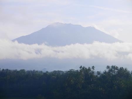 アグン山が見える
