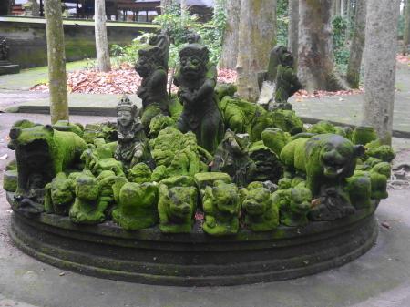 動物の彫刻
