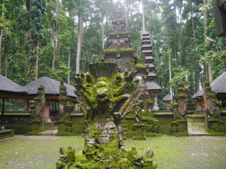 寺院の正面