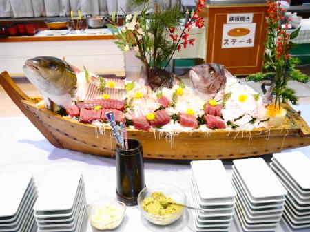 夕食の舟盛