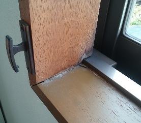 窓枠修理02