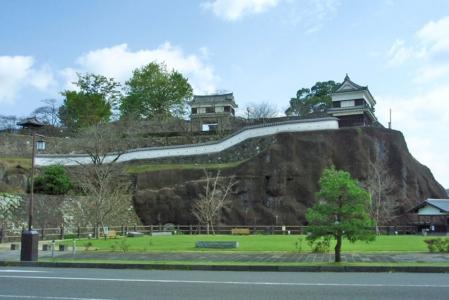 №01・西側より「臼杵城址」を望む