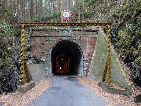 坂下隧道02