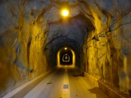 坂下隧道04