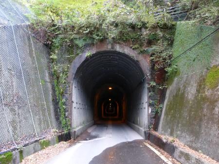 坂下隧道06