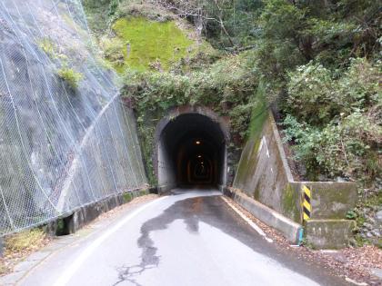 坂下隧道07