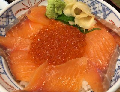 SFPダイニング 磯丸水産 サーモンといくらの親子丼