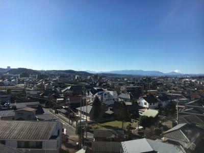 多摩都市モノレールから富士山が見えます