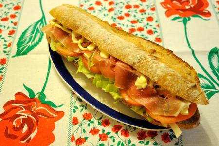 ルヴァンバゲットのサンドイッチ