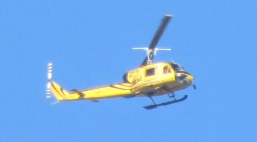黄色のヘリコプター2