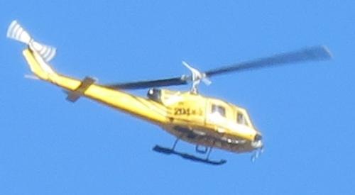 黄色のヘリコプター拡大版