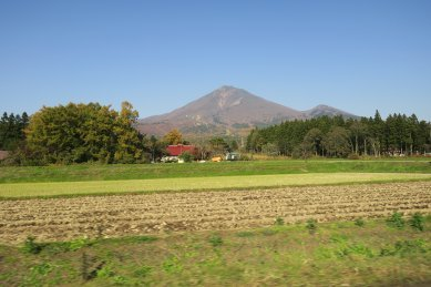 猪苗代湖よりから見た表磐梯山