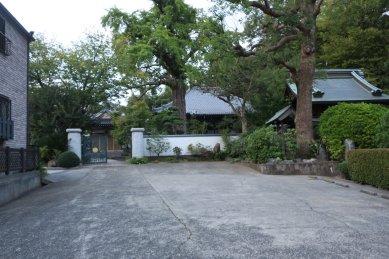 隣の法華寺