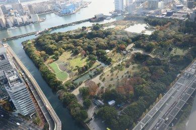 電通ビル46階から見る浜離宮