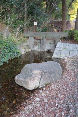 神田上水取水口の石柱(関口の大洗堰)