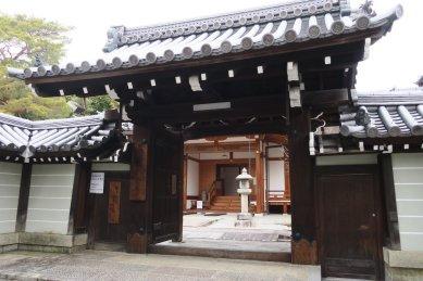 涅槃堂・門