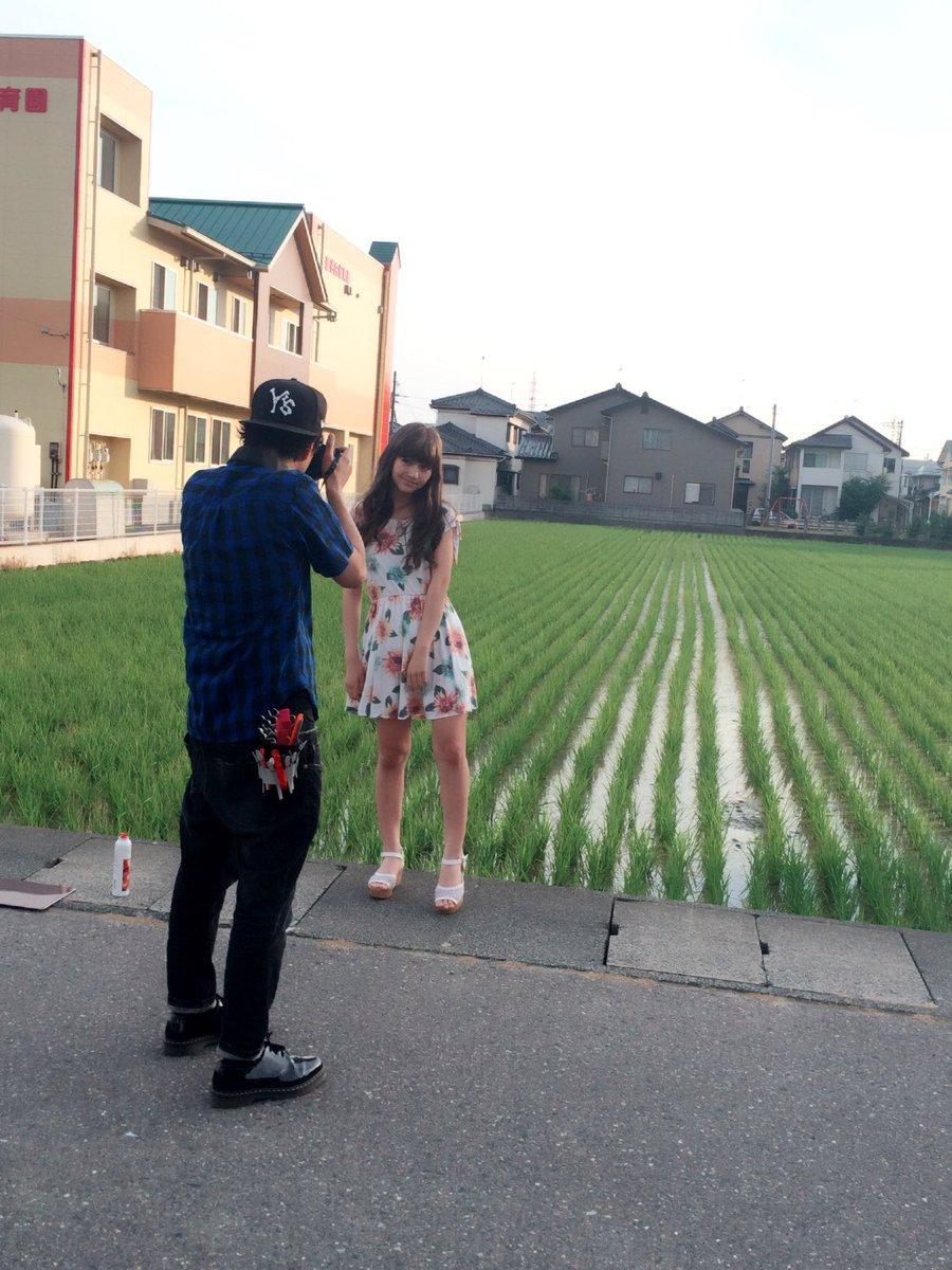 可愛すぎる女子小学生モデル・木村ユリヤのグラビア撮影オフショット