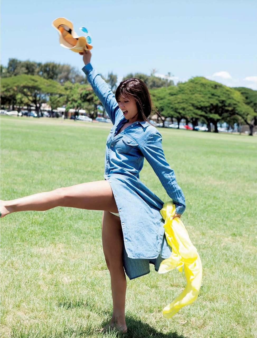 深田恭子の着衣グラビア
