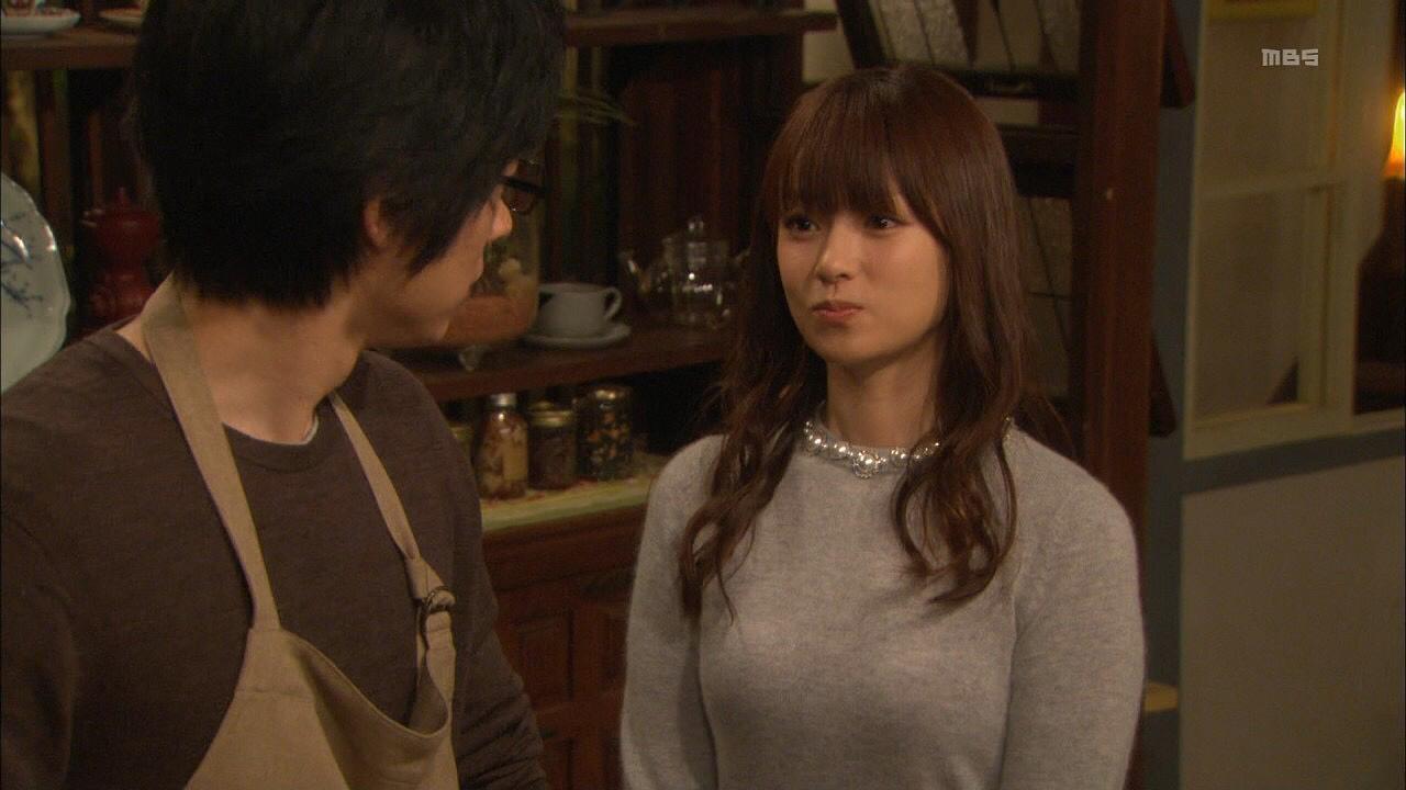ドラマでニットを着た深田恭子