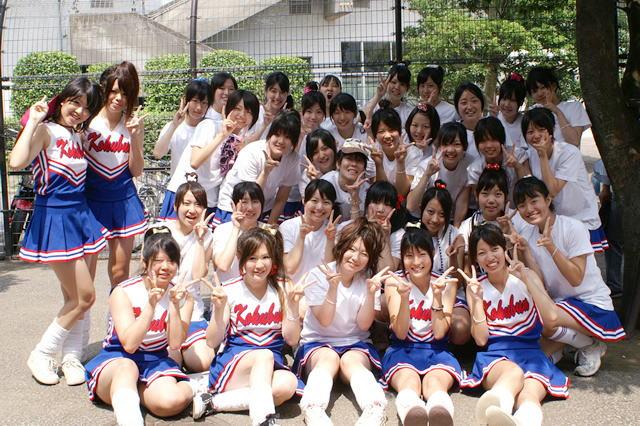 高校野球のチアガールの集合写真