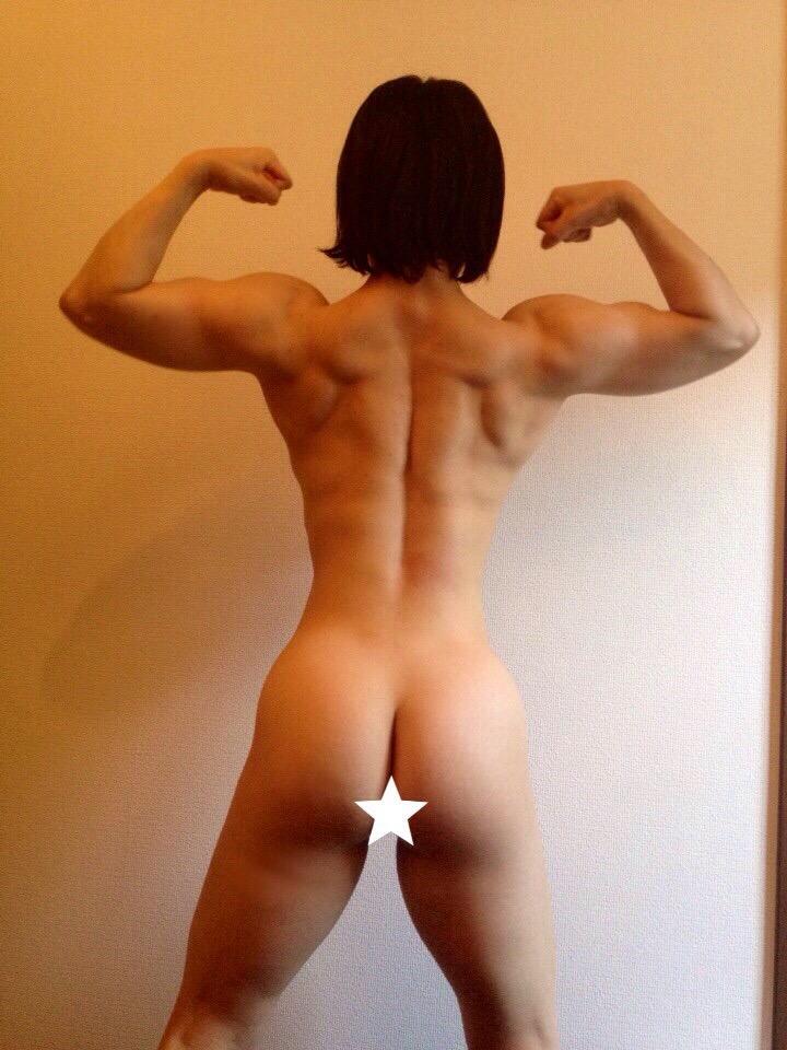筋肉ムキムキ、マッチョな女の全裸