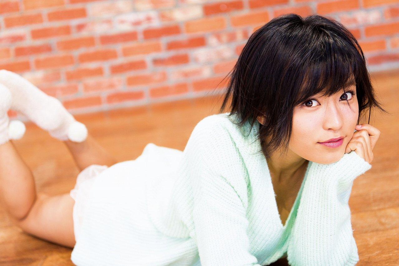 「週刊少年マガジン 2017年1号」小島瑠璃子のグラビア