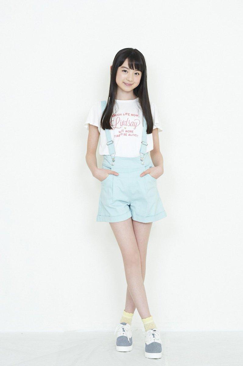 日本の人気中学生モデルの黒坂莉那