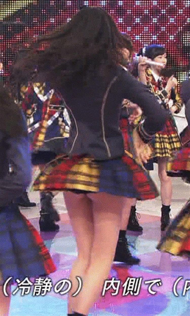 NHK「AKB48 SHOW!」でパンツが食い込んだお尻を見せてしまった森保まどか(パンチラ)