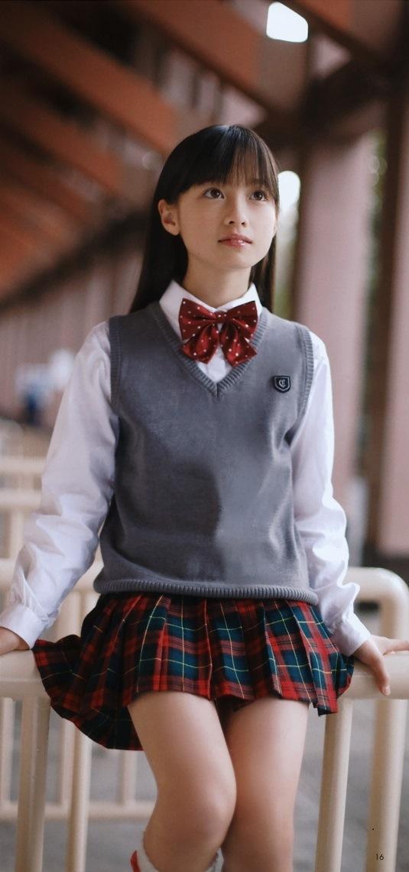 痩せてた頃の橋本環奈のミニスカート太ももグラビア
