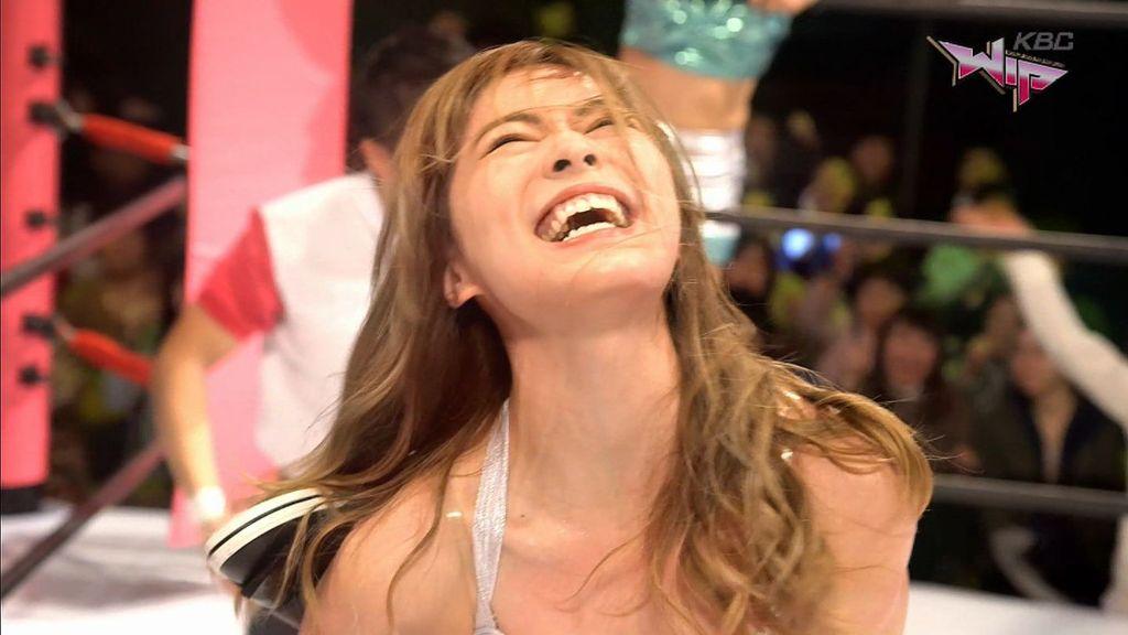 ドラマ「豆腐プロレス」でプロレスをする松井珠理奈