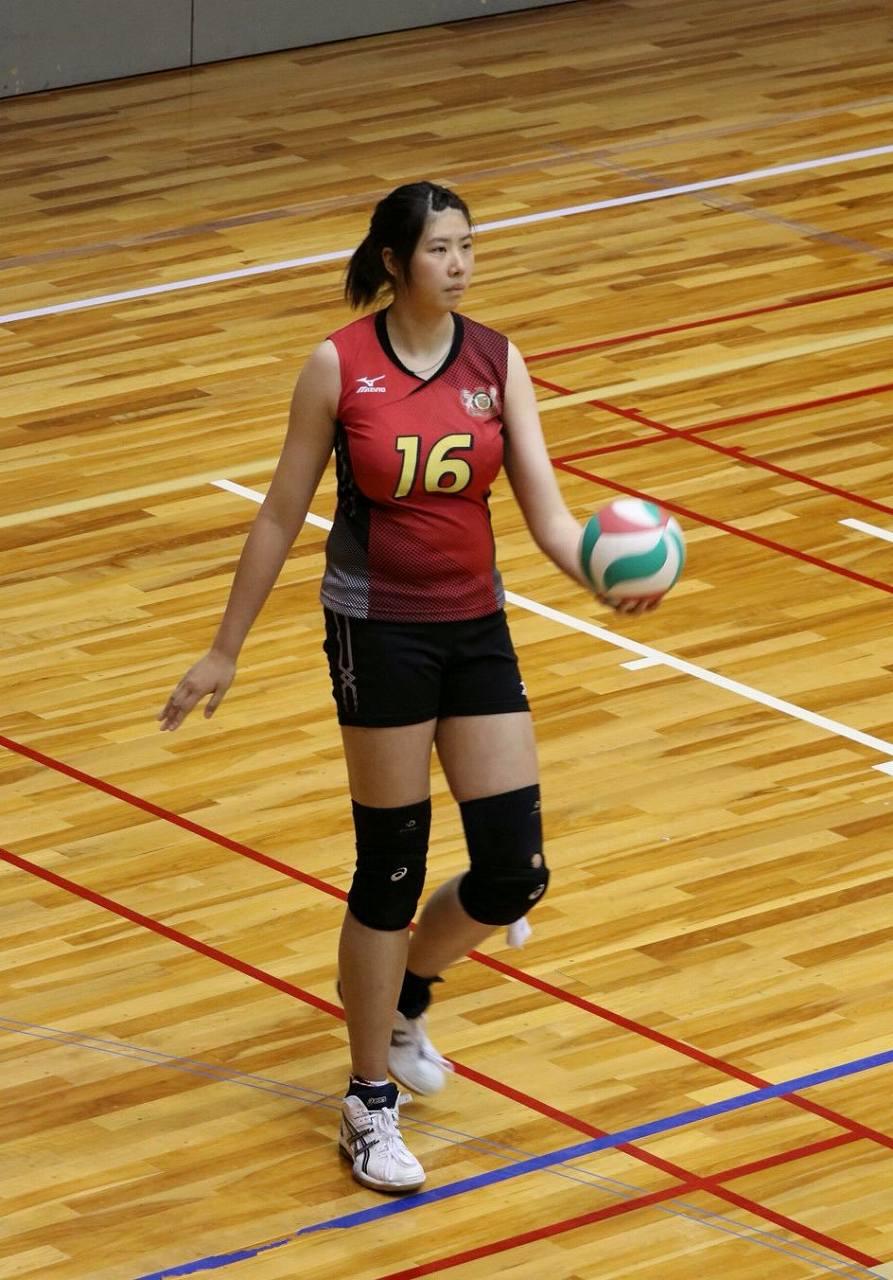 木村沙織よりも巨乳の女子バレー選手(至誠館大学のバレー選手)