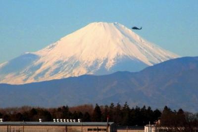 冠雪の富士山a_1