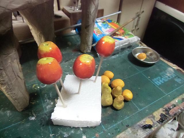 ニスを塗ったらリンゴ飴