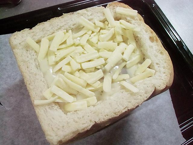 チーズをかけて焼く