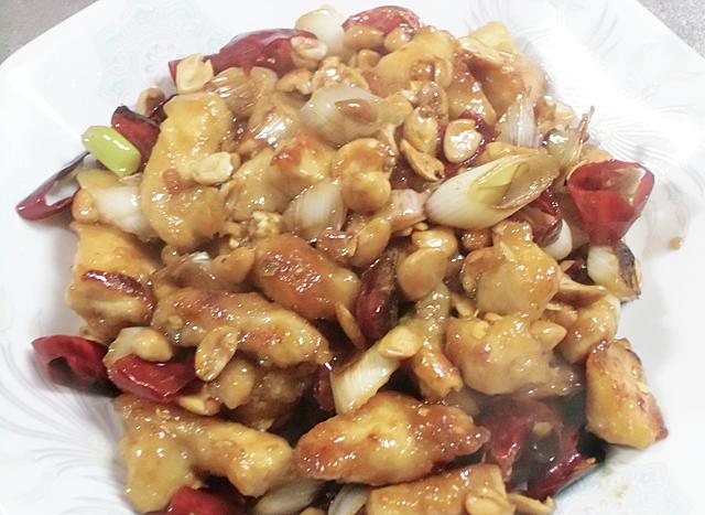 鶏とピーナッツ炒め物