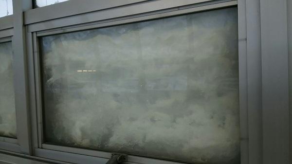20170124用・窓の雪