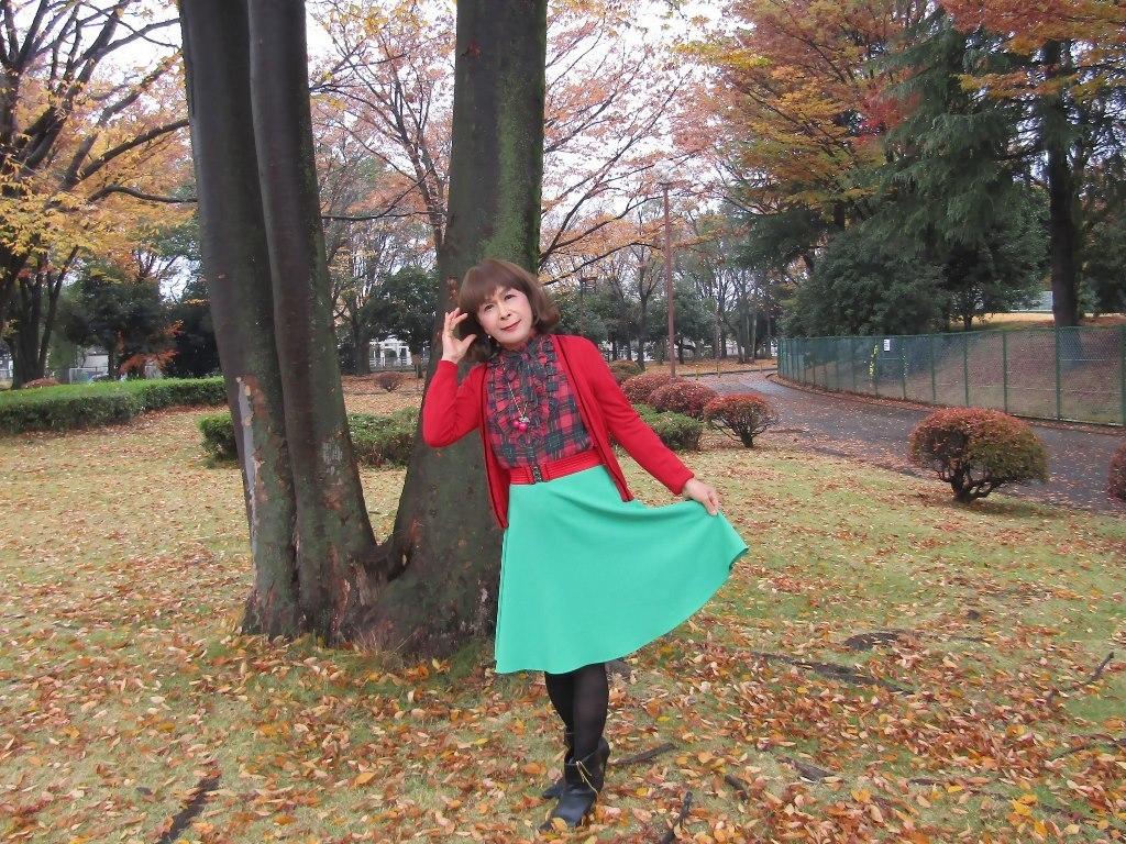 赤カーデ緑スカートC(4)