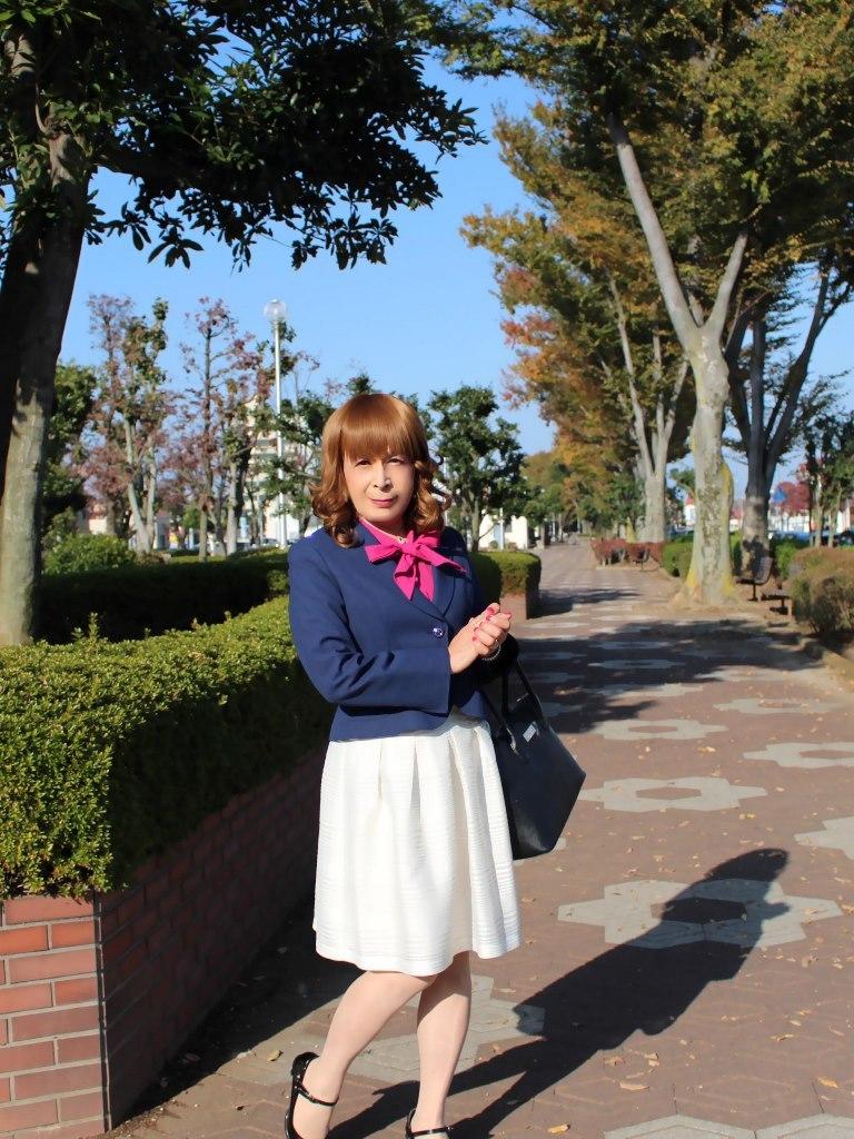 紺ジャケット白フレアースカートA(1)