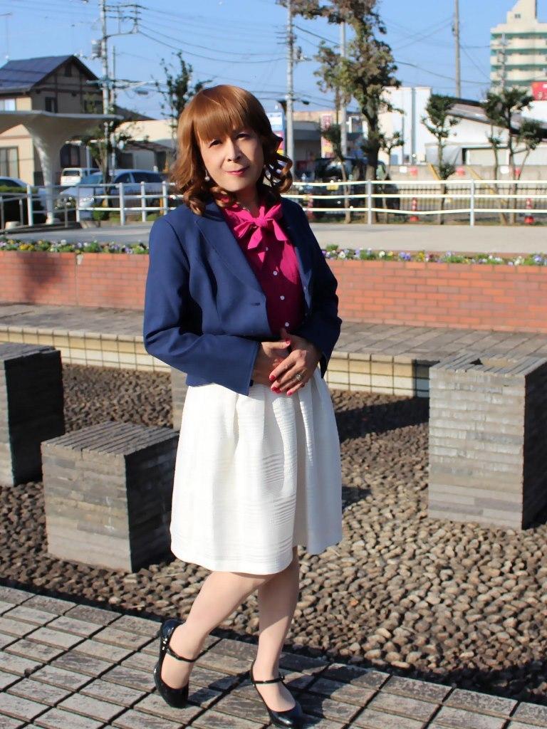 紺ジャケット白フレアースカートA(5)