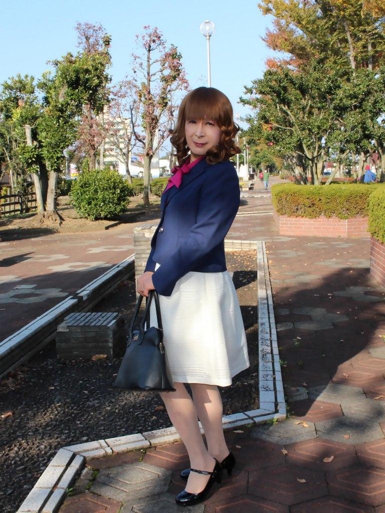 紺ジャケット白フレアースカートB(3)