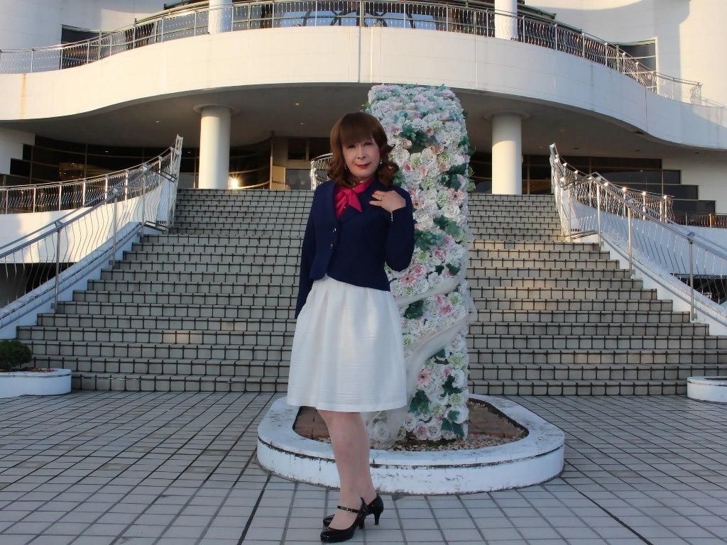 紺ジャケット白フレアースカートC(4)