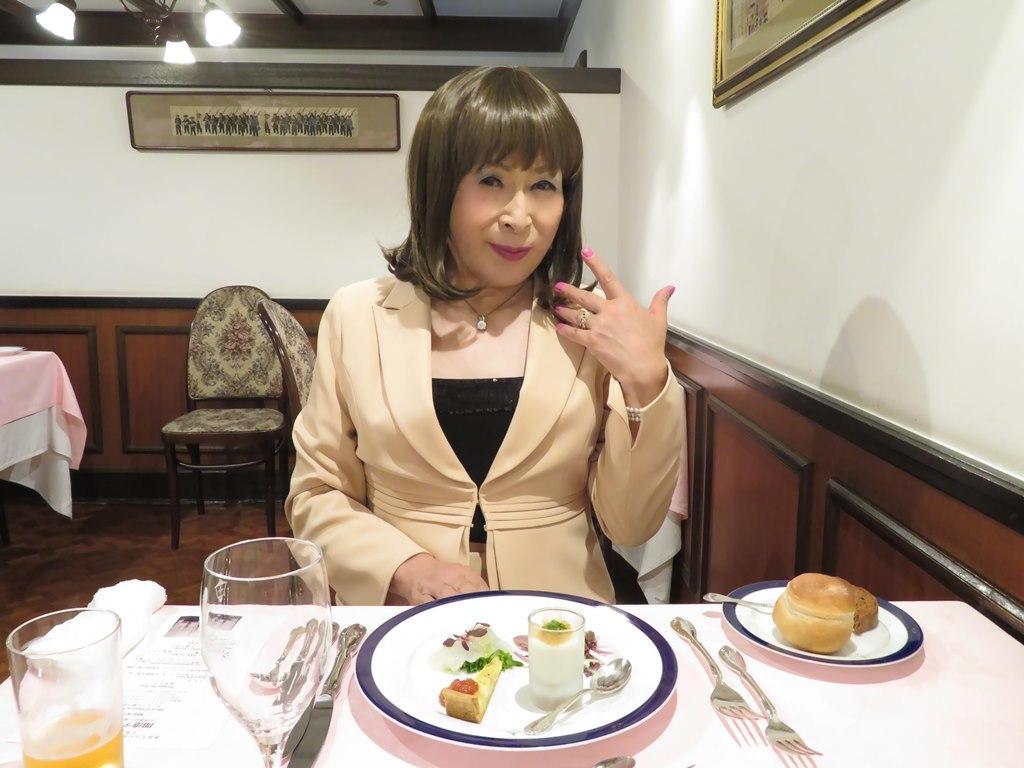 ベージュスーツディナー(3)